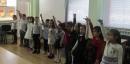 """За поредна година деца от """"Теменуга"""" закичиха с мартеници екипа на БДДР"""